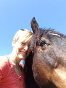 Lisa Loewen with therapy horse, Smokie