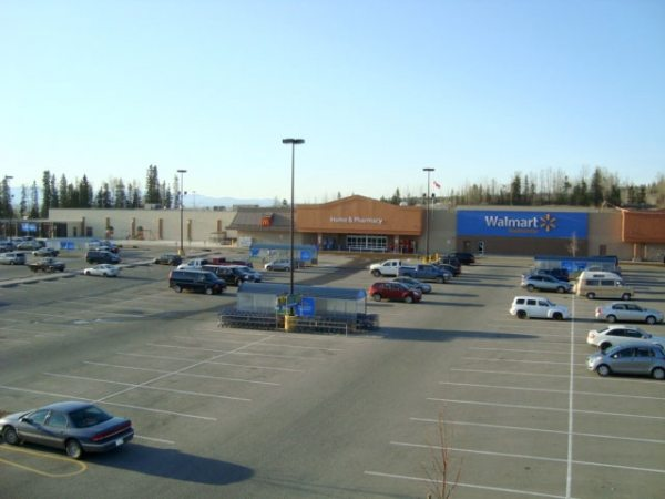 Wal-Mart Canada takes fee battle with Visa to Manitoba